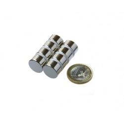 Kiekkomagneetti 15x10mm