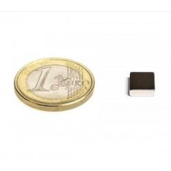 Neliömagneetti 13x13x5mm (N52)